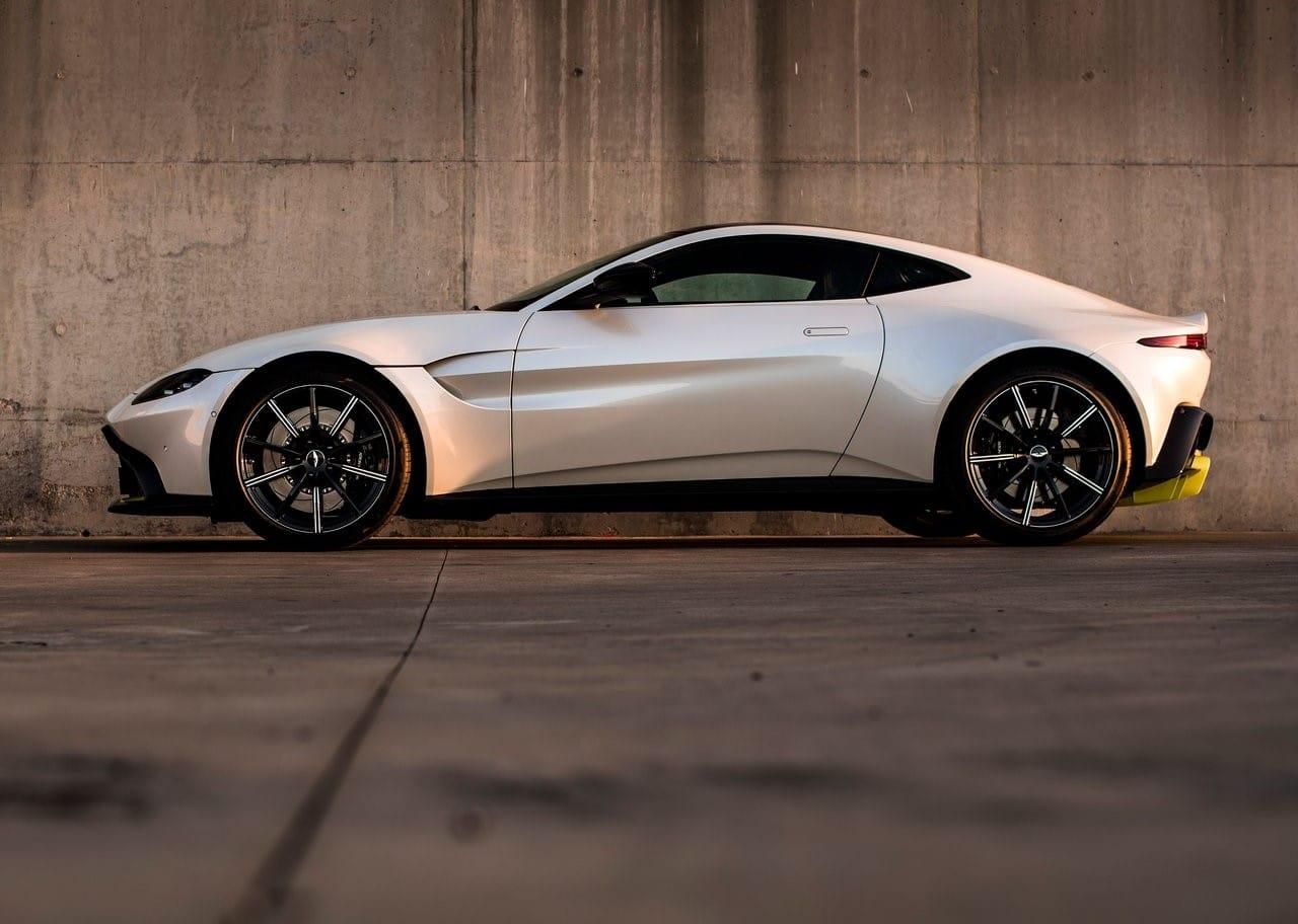 Aston_Martin-Vantage-2019-1280-25